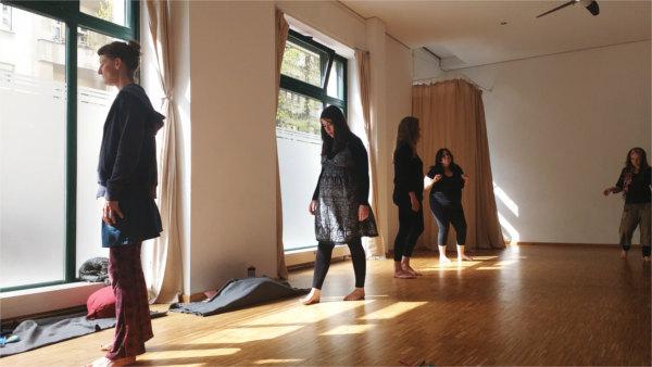 Illusion perfekte Frau - Shakti in Motion