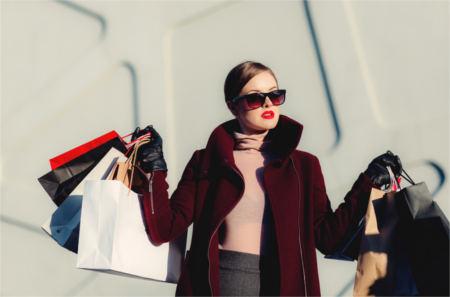 Illusion perfekte Frau Shoppingwahn